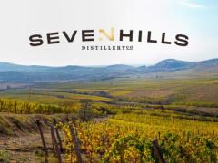Seven Hills Distillery Whisky és Gin látványfőzde ill. kóstoló helység.