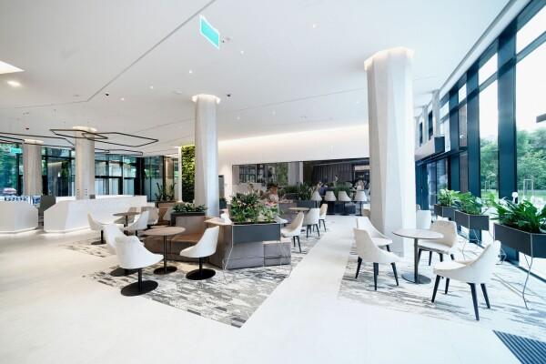 Promenade Gardens lobby