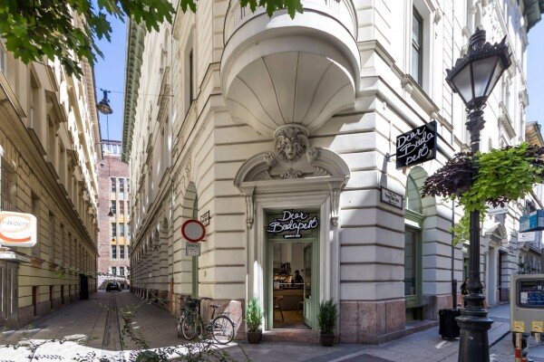 Dear Budapest gastro bar&meeting point